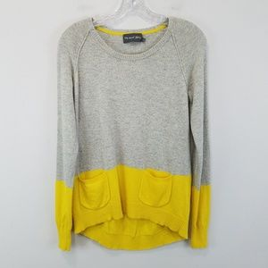 Michael stars gray and yellow sweater with pockets